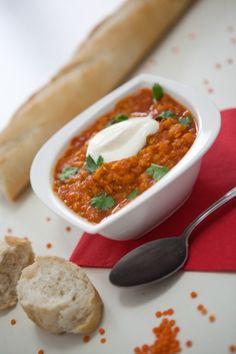 Linsen-Tomaten-Suppe. Macht satt und wärmt bei diesen Temperaturen wunderbar!