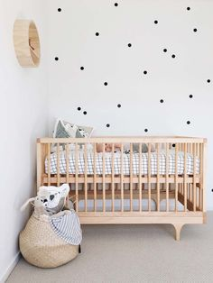 Simple yet stunning baby nursery in neutral colours