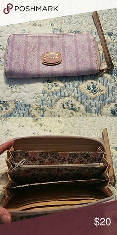 GUESS Pretty lilac color. No damage. Lightly used. Guess Bags Clutches & Wristlets