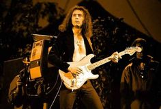"""The Ritchie Blackmore Story"" geliyor!  http://www.nouvart.net/the-ritchie-blackmore-story-geliyor/"