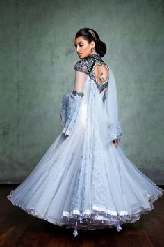 TARUN TAHILIANI'S MAGNIFICENT 2014-2015 BRIDAL COLLECTION