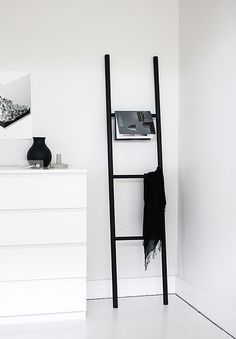 ladder DIY by AMM blog, round dowel sides