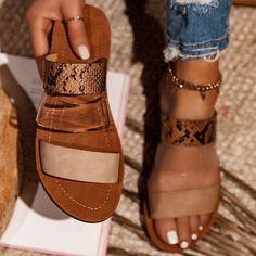 Cute Sandals, Women's Shoes Sandals, Shoe Boots, Women Sandals, Pretty Sandals, Cute Flats, Stylish Sandals, Flat Sandals, Simple Sandals