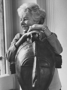 Peggy Guggenheim with a Guinean mask Peggy Guggenheim, Arte Tribal, Tribal Art, Max Ernst, Slim Keith, Man Ray, Artist Life, African Art, African Masks