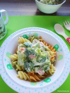 Pasta with vegetables in ham and cream cheese sauce - MeineStube- Nudeln mit Gemüse in Schinken-Frischkäse-Sauce – MeineStube Delicious recipe for pasta with vegetables. Broccoli and zucchini. In cream cheese sauce with ham. Turkey Recipes, Baby Food Recipes, Pasta Recipes, Recipe Pasta, Cream Cheese Sauce, Healthy Snacks, Healthy Recipes, Maila, Vegetable Pasta