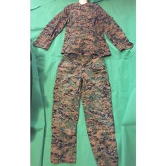 USMC Woodland Marpat Set Blouse and Trousers size Medium Listing in the Other,Uniforms & Work Clothing,Clothes, Shoes, Accessories Category on eBid United States | 158705309