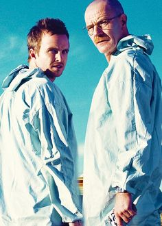 Aaron Paul (Jesse Pinkman) and Brian Cranston (Walter White) of Breaking Bad Serie Breaking Bad, Breaking Bad Jesse, Best Tv Shows, Best Shows Ever, Favorite Tv Shows, George Clooney, Mejores Series Tv, Jesse Pinkman, Aaron Paul