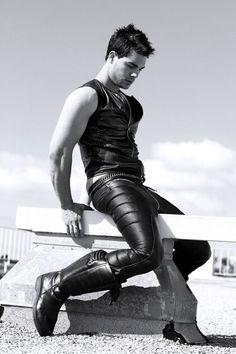 Scifi  leather boy - wow