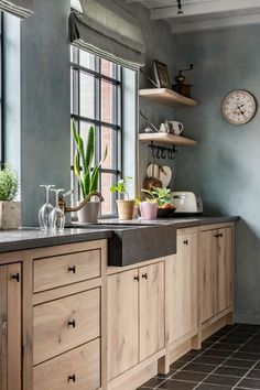 Kitchen Interior, Kitchen Design Small, Interior, Rustic Kitchen Design, Kitchen Remodel, Kitchen Decor, Home Kitchens, Rustic Kitchen, Kitchen Design
