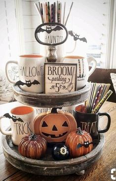 Find the best ways to glam up your Halloween decor #homedecorideas #interiordesign #decoration #housedecoration #interiordesigners #halloween #halloweendecor