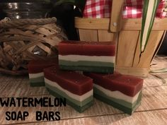 Watermelon Soap Recipe Handmade Soap Recipes, Handmade Soaps, Green Soap, Soap Base, Diy Spa, Cold Process Soap, Home Made Soap, Candle Making, Bar Soap