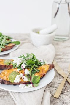 roasted sweet potatoes with pesto, rucola and feta cheese . Autumn Winter Recipes, Winter Food, Low Carb Recipes, Baking Recipes, Cake Recipes, Pesto, Food Photography Props, Roasted Sweet Potatoes, Food Design