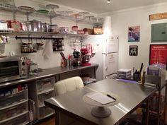 Nana's Sweets home cake studio.