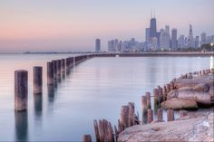 Cliched Chicago from the corner of the beach | Fulleton Beach | neverphoto.com
