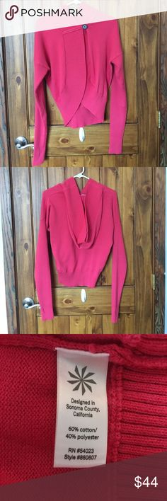EUC Athleta Salila Sweater Single button and thumb holes so trendy. Athleta Sweaters