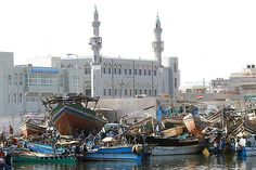 https://flic.kr/p/aJtRM | Dhows in the harbor in front of the mosque, Yemen |  © Eric Lafforgue  www.ericlafforgue.com