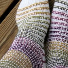 Ravelry: Rim Socks pattern by Niina Laitinen Fingerless Mittens, Knitted Slippers, Wool Socks, My Socks, Knitting Charts, Knitting Socks, Hand Knitting, Knitting Patterns, How To Purl Knit