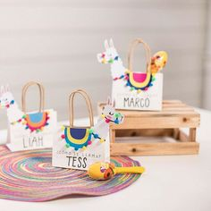 Look how cute these llama party favor bags are! – See more llama party love on B… Look how cute these llama party favor bags are! – See more llama party love on B. Craft Party, Diy Party, Party Gifts, Party Fiesta, Festa Party, Mexican Party Favors, Theme Bapteme, Llama Birthday, Party Favor Bags
