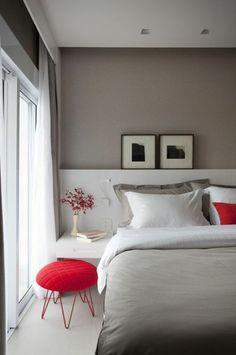 quelle couleur associer au gris perle chambre a coucher avec des éléments rouges