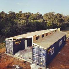 Wonderful Veranda Shipping Container House - USA - Living in a Container Shipping Container Buildings, Shipping Container Home Designs, Shipping Container House Plans, Shipping Containers, Container Home Plans, Container Shop, Storage Container Homes, Building A Container Home, Shipping Container Storage