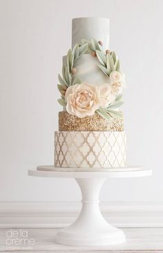 This wedding cake is nothing short of magical!