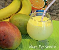 1 mango - peeled, seeded, and cut into chunks 1 banana, peeled and chopped 1 cup orange juice Lunch Smoothie, Breakfast Smoothies, Smoothie Drinks, Healthy Smoothies, Healthy Drinks, Smoothie Recipes, Healthy Snacks, Healthy Eating, Healthy Recipes
