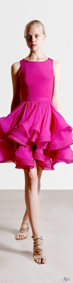Reem Acra Resort 2017 Fashion Show Collection: See the complete Reem Acra Resort 2017 collection. Look 6 Pink Fashion, Fashion 2017, Runway Fashion, Fashion Show, Fashion Design, Plus Size Cocktail Dresses, Short Cocktail Dress, Prom Party Dresses, Evening Dresses