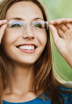 Woman wearing Rimless Eyeglasses Cool Glasses, New Glasses, Cat Eye Glasses, Girls With Glasses, Glasses Style, Eye Glasses Online, Rimless Glasses, Fashion Eye Glasses, Wearing Glasses