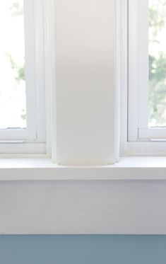How to Install Trim on a Double Window - Remodelando la Casa Moulding And Millwork, Window Molding Trim, Baseboard Molding, Crown Molding, Molding Around Windows, Interior Window Trim, Double Window, Trim Work, Best Interior Design