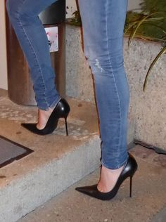 Going out for dinner in classic pumps