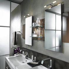 How do I Remove a Wall Mirror With Brackets?   eHow.com