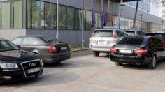 Foto e sulmohet me vez nga Vehicles, Rolling Stock, Vehicle, Tools