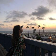"""fromis_9 [프로미스나인] on Instagram: """"LA에서 행복했던 롬쌔입니다💕 팬분들께 드리는 선물입니다🎁🎉 #크롬쌔_in_LA #날씨_완전_맑음☀"""" South Korean Girls, Korean Girl Groups, Lee Seo Yeon, Girl Friendship, Jennie Kim Blackpink, Ulzzang Korean Girl, Girl Crushes, Our Girl, Aesthetic Girl"""