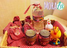 Así organizó la mamita de Salomé los stickers y las etiquetas de agua y compota ¡Genial! Water Bottle, Drinks, Food, Ideas, Farm Party, Creativity, Drinking, Beverages, Eten