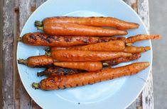 Grilled Vegetables Tips (Recipe: Balsamic Grilled Carrots) Balsamic Carrots, Grilled Carrots, Grilled Vegetables, Balsamic Vinegar, Glazed Carrots, Fresh Vegetables, Vegetarian Grilling, Grilling Recipes, Vegetarian Recipes