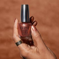 This shimmery copper 'Sweet Carmel Sunday' will give your nails a sun-kissed look.
