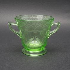 Federal Glass, Green Patrician Two Handled Sugar Bowl, Footed, Spoke Pattern, Depression Glass, Uranium Vaseline Glass, vintage 1930's, by GBCsLegacies on Etsy