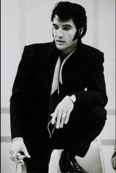 Elvis was quite possibly the most physically beautiful human being ever created.