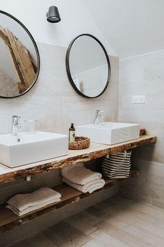 Black Périgord guest house Bel Estiu: a transformed barn - House side Elegant Home Decor, Contemporary Home Decor, Elegant Homes, Rustic Bathroom Designs, Bathroom Interior Design, Bad Inspiration, Bathroom Inspiration, Amazing Bathrooms, Rustic Decor
