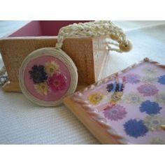 Collar y joyero madera-resina rosado