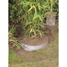 Rodspærre 0,7x3 m - Plantex - 230,-  Plantex rodspærre forhindrer rødder fra eksempelvis træer, bambus, buske og hække i at brede sig. Rodspærren placeres rundt om rodnettet, og på den måde forhindres rodnettet i at udvide sig til uønskede områder.  Produktinformation:  Mål: 0.7 x3 m  325 g pr. m²