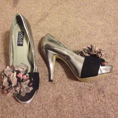 """Spotted while shopping on Poshmark: """"Size 7 Dolce by Mojo Moxy heels""""! #poshmark #fashion #shopping #style #Dolce by Mojo moxy #Shoes"""