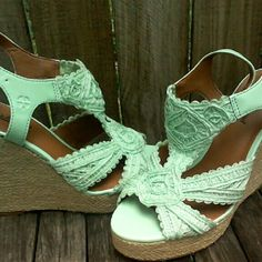 Lucky Brand Wedge heels 7.5 Lucky Brand light Turquoise cloth wedge heels. Beautiful design. Open toe, ankle strap, new condition, no tags. These are are 7.5 But the run small ID say they are a true 7. Flawless condition Lucky Brand Shoes Wedges
