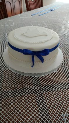 Komunijny tort dla chłopca Cakes, Desserts, Food, First Holy Communion, Christening, Pastries, Communion Cakes, Pies, Meal