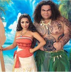 Disney Cosplay Moana and Maui Disney Cosplay, Anime Cosplay, Maui Cosplay, Belle Cosplay, Epic Cosplay, Amazing Cosplay, Costume Halloween, Halloween Carnival, Halloween 2017