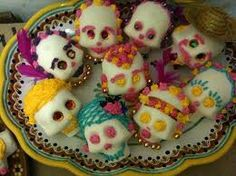Google Image Result for http://creativeclaycooking.com/__oneclick_uploads/2009/10/sugarskulls2.jpg