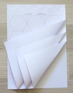 Tips for cutting hexagon templates for English paper piecing Many people buy already-cut hexagon templates. But if you need only a few or an unusual size, or if you don't want to wait 2 weeks to receive them (my case), or if they are too expensive (my case again), here is a method that cut …
