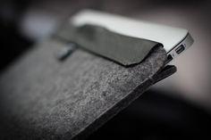 AECRAFT MacBook Air sleeve with magnetic closure