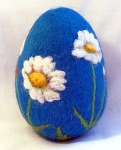 Large Needle Felted Easter Egg Daisies on Blue by syodercrafts Easter Crafts, Felt Crafts, Blue Eggs, Needle Felting Tutorials, Felt Fairy, Wet Felting, Felt Animals, Spring Crafts, Quilling
