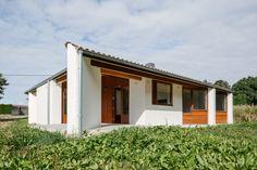 Gallery of Three-Gable Roof House / Arrokabe Arquitectos - 6